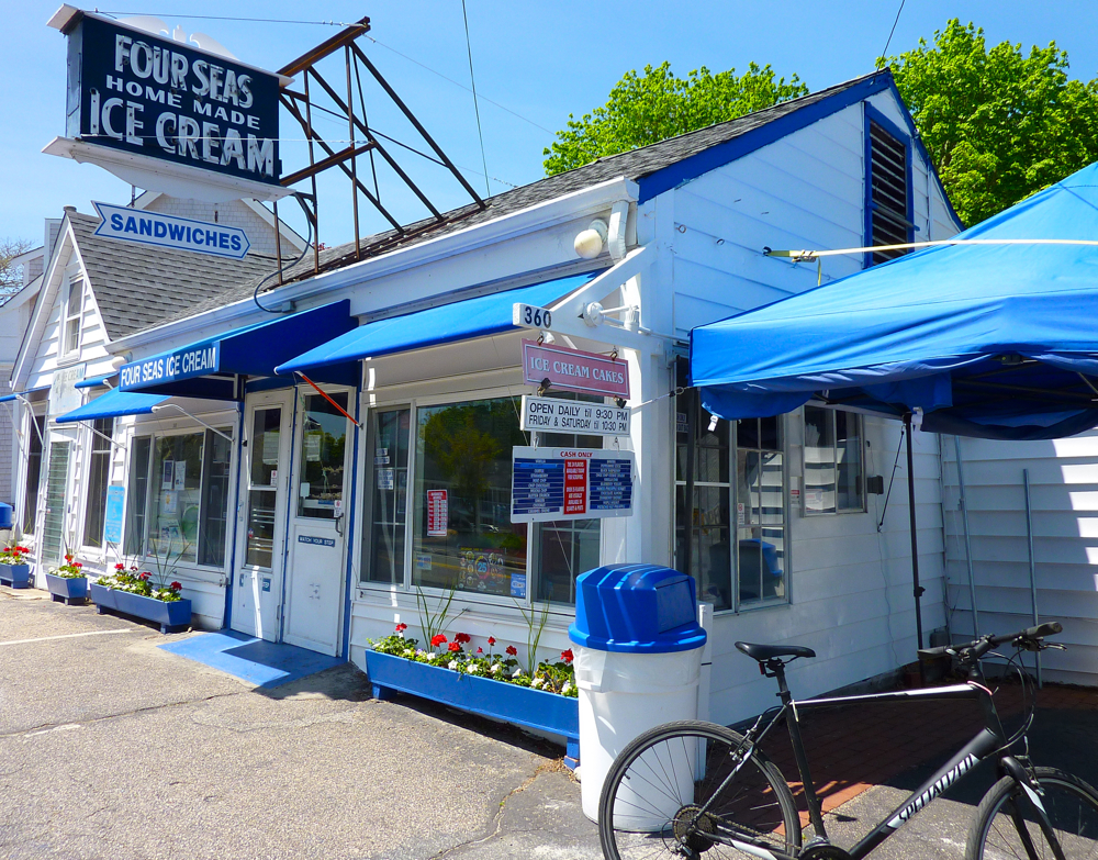 Four Seas Ice Cream, Cape Cod, MA (Centerville)
