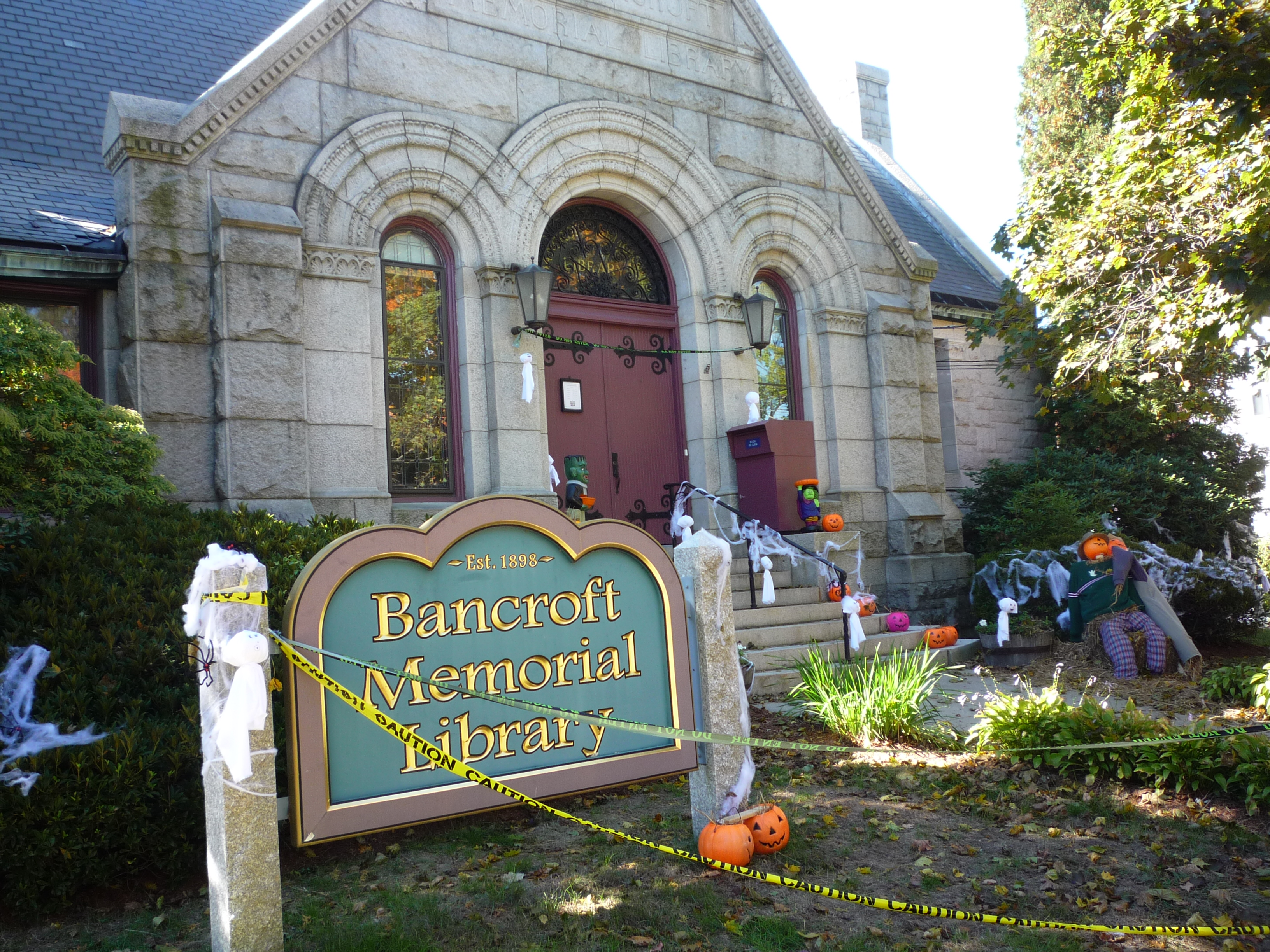 Free Walking Tour of Historic Hopedale, Mass., Oct. 17