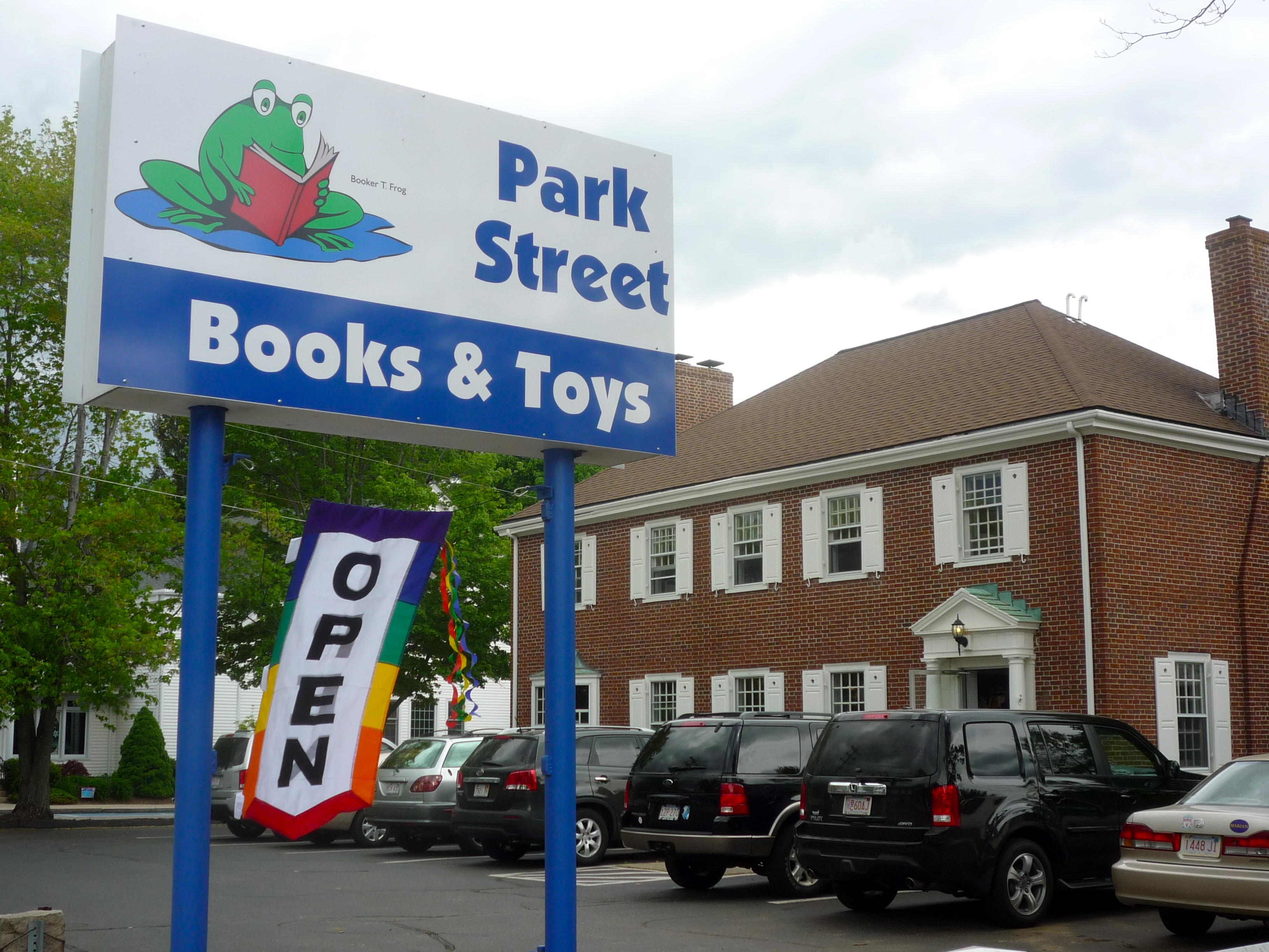 Park Street Books, Medfield, Mass., is the Largest Kids Bookstore in New England