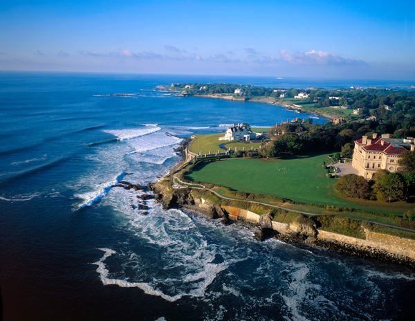 Cliff Walk, Newport Rhode Island (Photo Credit: Onne van der Wal)