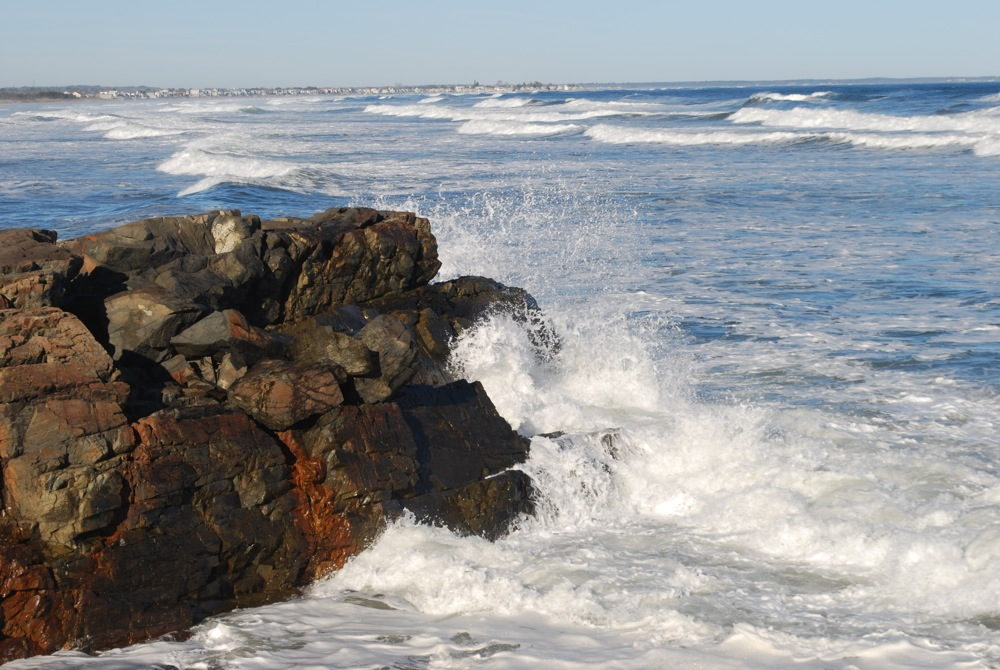 Waves crashing up against rocks at Marginal Way, Ogunquit ME. Photo: Sarah Diment, Beachmere Inn.