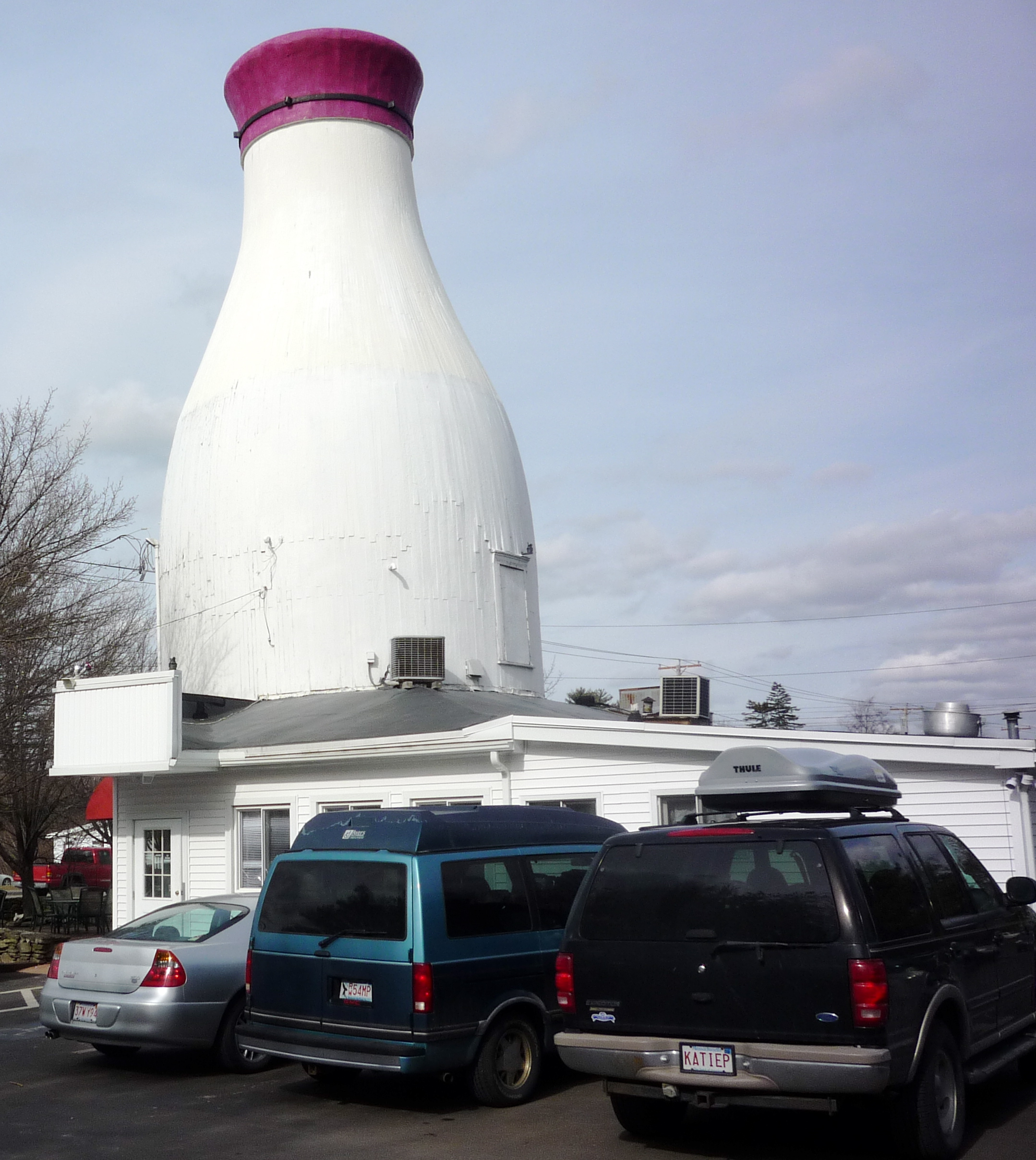 Milk Bottle Restaurant in Raynham, Mass., Features Unusual Look and Cheap Eats