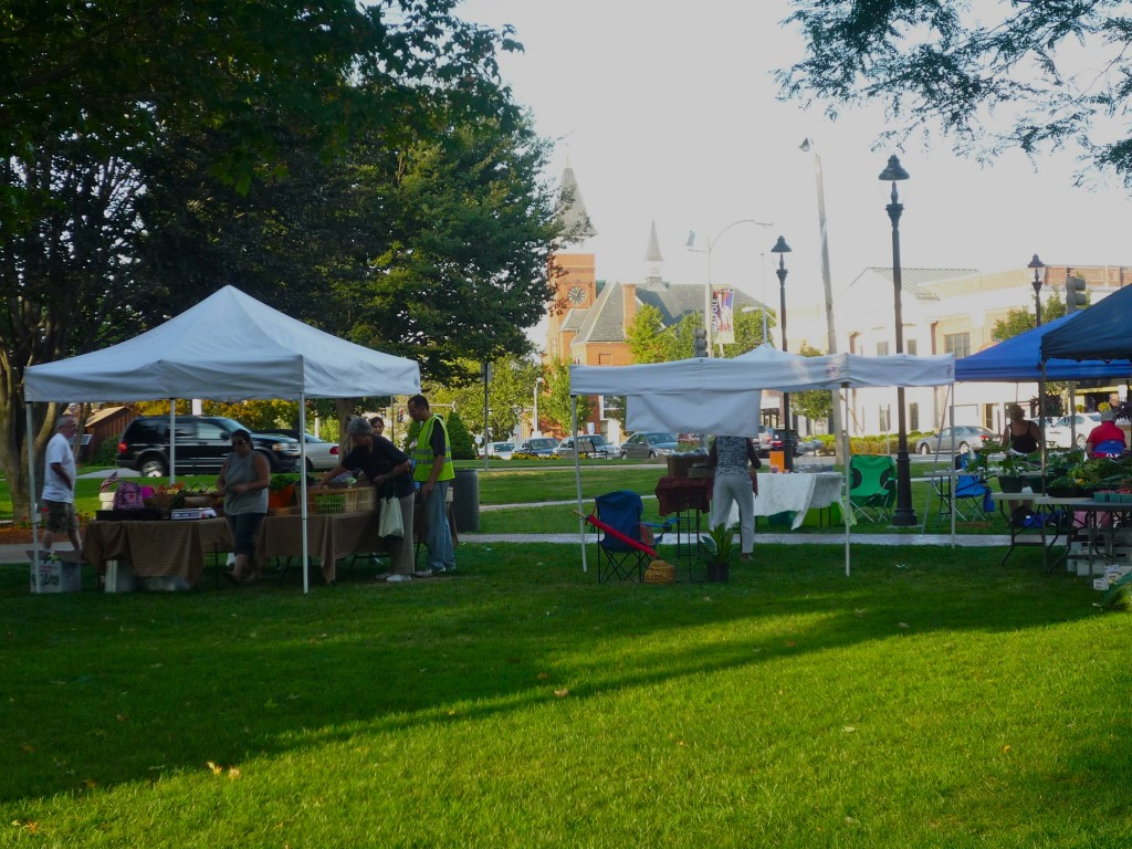 Picture of the Farmers Market at the Walpole Town Common