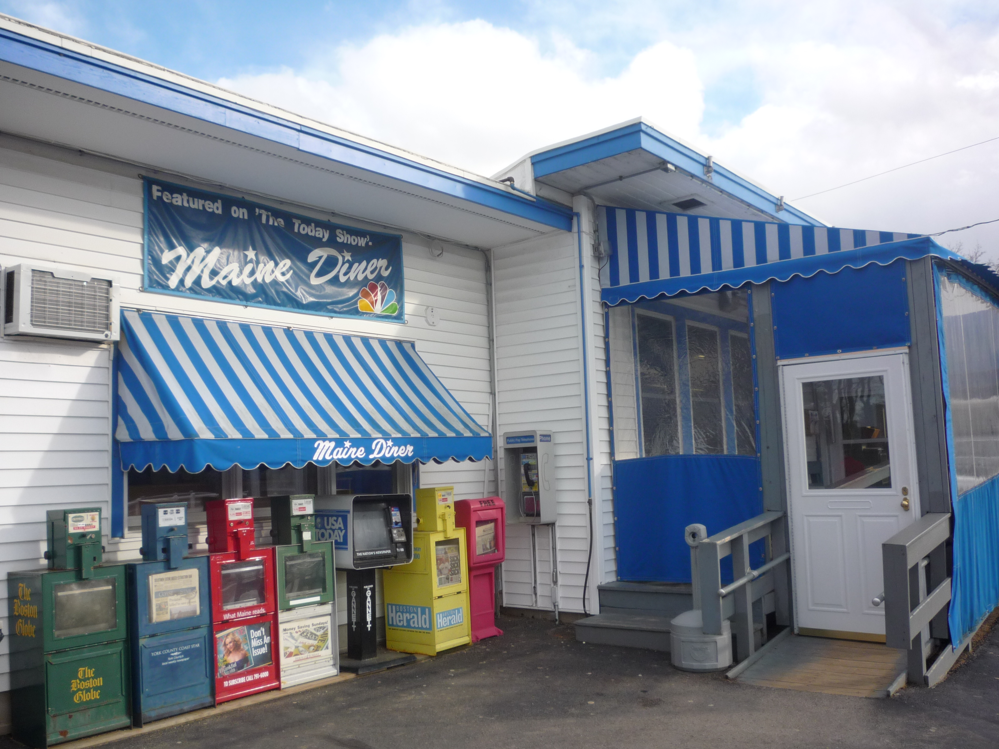 Cheap Eats at the Maine Diner, Wells, Maine