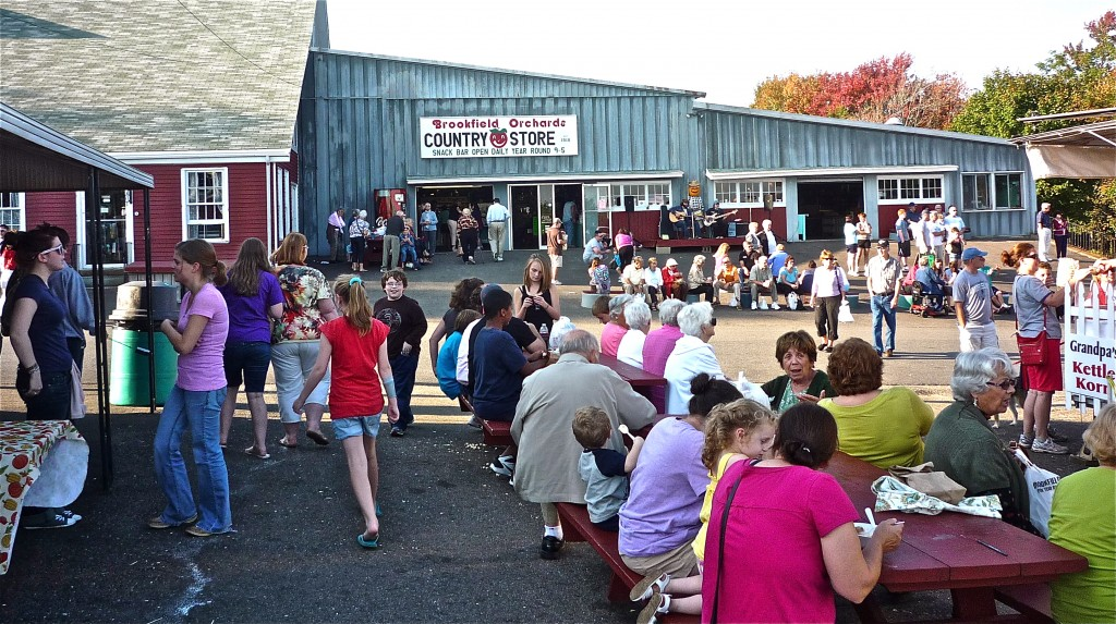 craft fairs in ma brookfield orchards branches out beyond just apple picking 3774