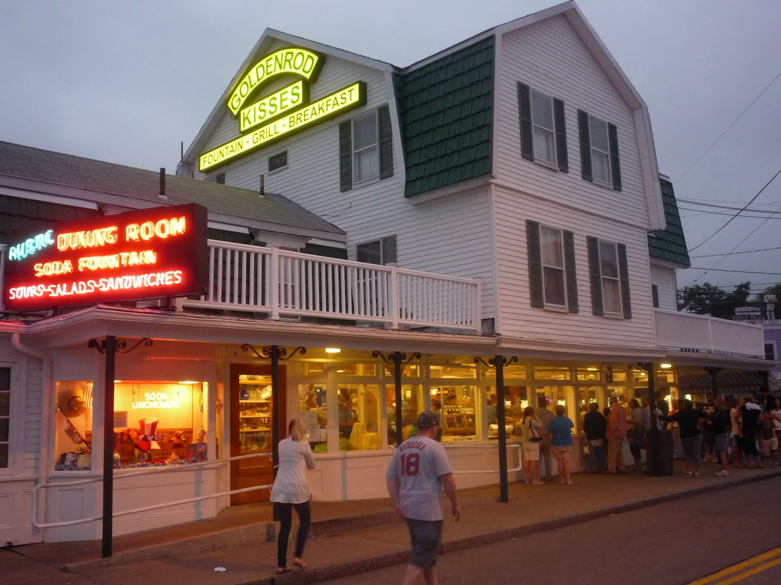 The Goldenrod in York Beach, Maine Specializes in Salt Water Taffy