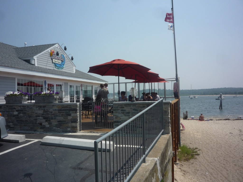 Stash's Onset Beach is a great place to grab a bite (photo by Eric)