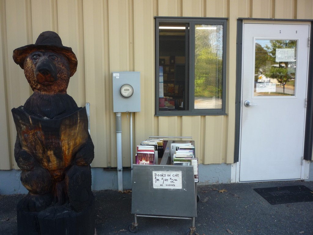 The Book Bear, West Brookfield, Mass. (photo by Eric)
