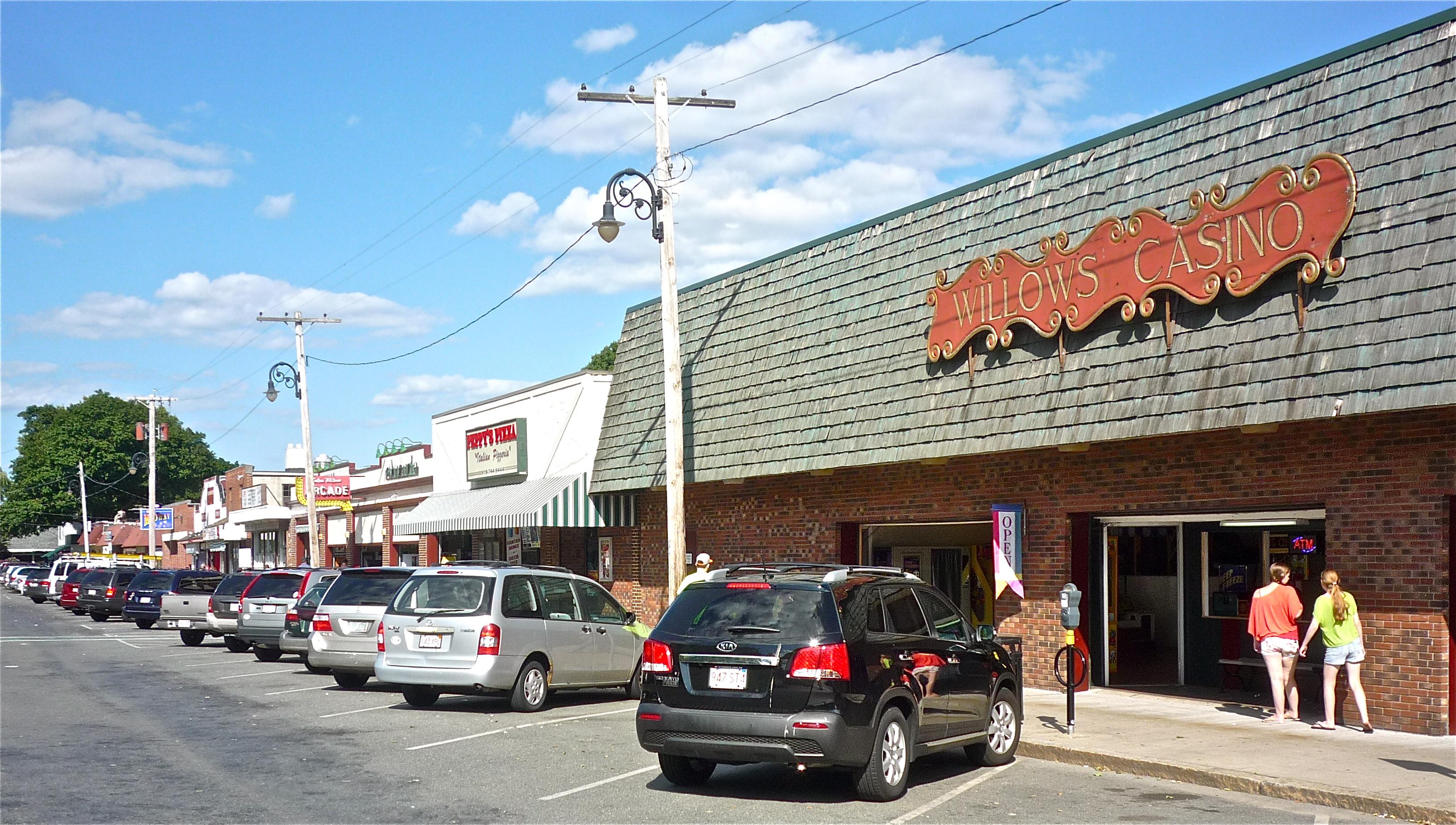 Salem Willows: Family-Fun Arcades, Park, Beach in Salem, Mass.