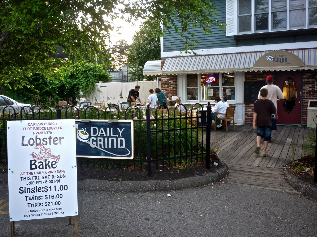 Great price on lobster at The Daily Grind Cafe in York Beach, Maine (photo by Eric)