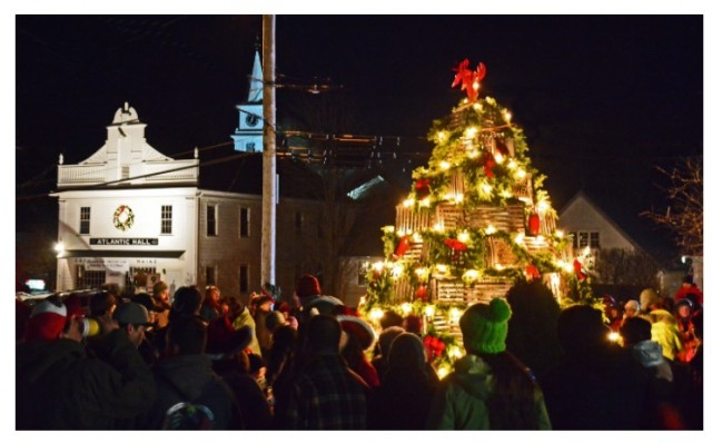 Lobster Trap Tree, Kennebunkport's Christmas Prelude. Photo credit: Robert Dennis