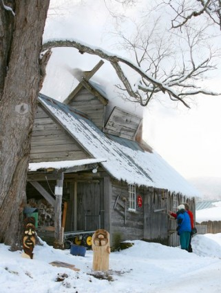 Maple Sugar House at Dutton Berry Farm in Manchester, Vermont. Photo credit: Stephen Goodhue -