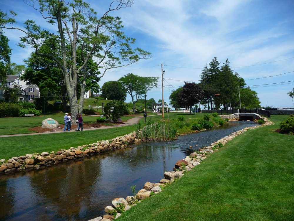 Brewster Gardens, Plymouth, Mass. (photo by Eric)