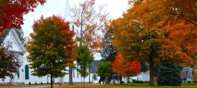 4 Peaceful Massachusetts Town Commons to Enjoy Fall Foliage