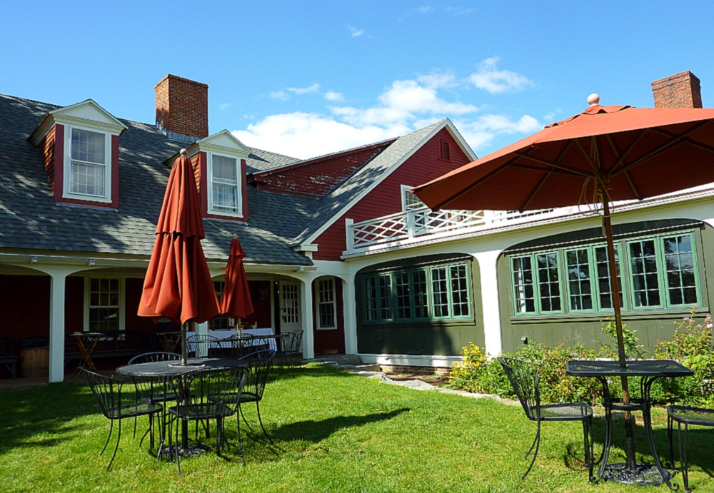 Outdoor dining with a traditional New England vibe at the historic Salem Cross Inn in West Brookfield, Mass.
