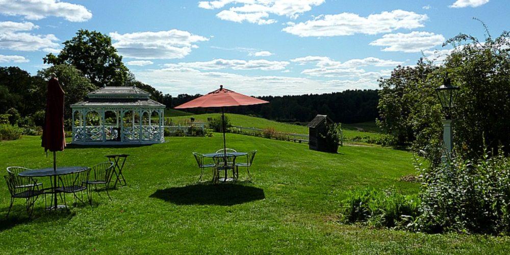 Dining outdoors at the Salem Cross Inn in West Brookfield, Massachusetts.